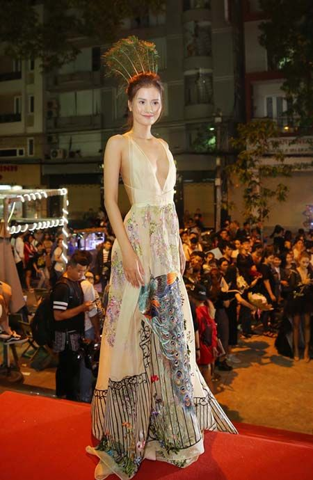Diep Lam Anh, A hau Huyen My lot top my nhan 'ho bao' nhat tuan - Anh 3