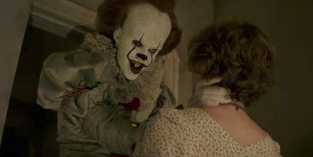 Phim 18+ 'IT' cuu Hollywood thoat khoi khung hoang phong ve - Anh 2
