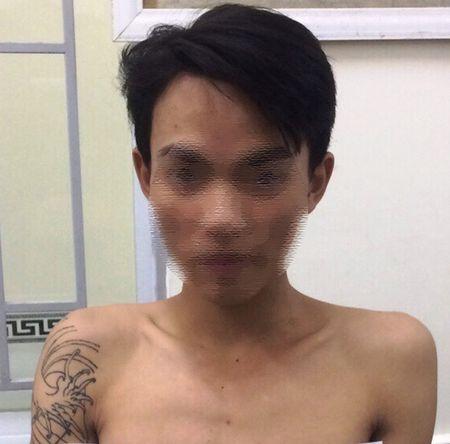 Bat khan cap 4 nghi pham trom hon 700 trieu dong - Anh 1