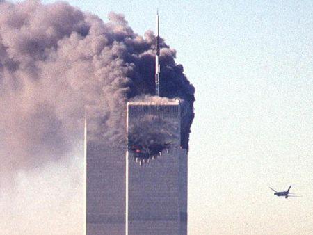 Anh hiem vu khung bo 11.9: Ong Bush soc, dong ho Lau Nam goc ngung chay - Anh 4