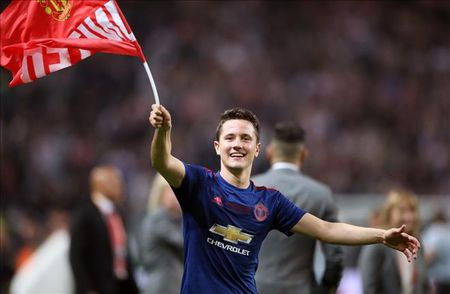 Ander Herrera than trong ve co hoi vo dich Champions League cua MU - Anh 1