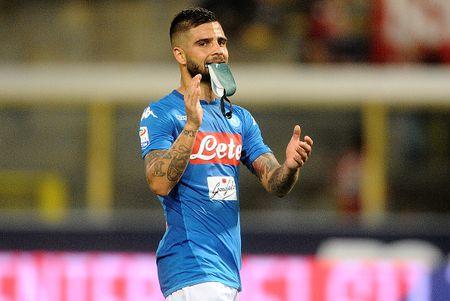 Bologna 0-3 Napoli: Khong the say chan - Anh 10