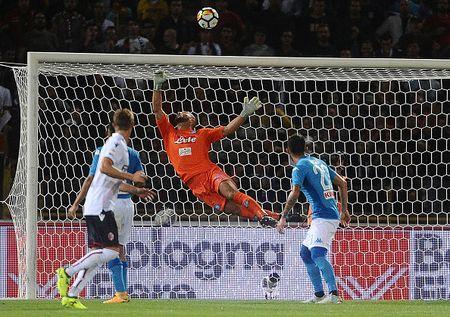 Bologna 0-3 Napoli: Khong the say chan - Anh 3
