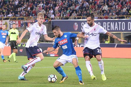 Bologna 0-3 Napoli: Khong the say chan - Anh 4