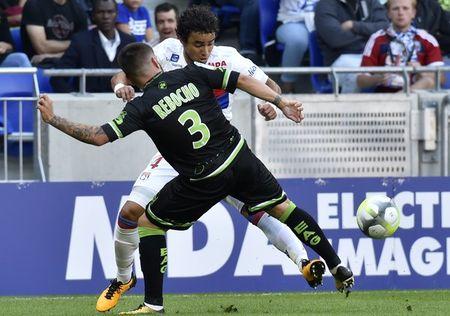 Lyon 2-1 Guingamp: 3 diem chat vat - Anh 1