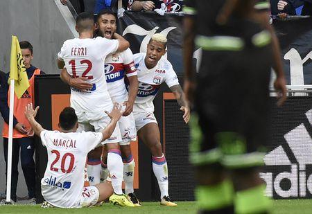 Lyon 2-1 Guingamp: 3 diem chat vat - Anh 7