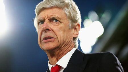CDV Man Utd cam on vi da bi Wenger tu choi - Anh 1