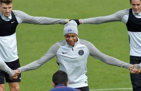 Cap ke cung dong huong, Neymar bo roi Mbappe - Anh 6