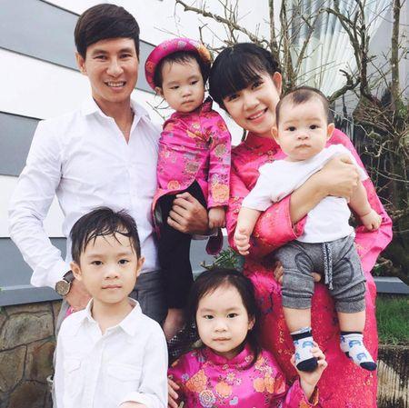 Bat ngo voi cach day con nang dong 'khong dung hang' cua vo chong Ly Hai - Anh 1