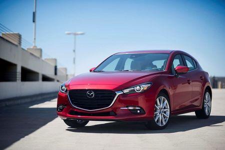 Loat xe oto Mazda tai Viet Nam giam gia thang 9/2017 - Anh 1
