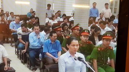 Dai an Ocean Bank: 'Nong' khoan tien 'cham soc' cac sep Loc hoa dau Binh Son - Anh 2