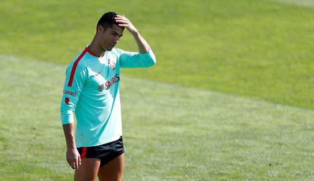 Real Madrid loang choang, tat ca vi mot cai ten - Anh 1