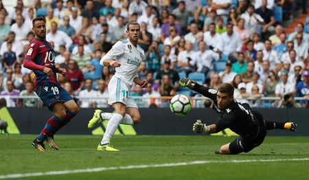 Real Madrid loang choang, tat ca vi mot cai ten - Anh 2