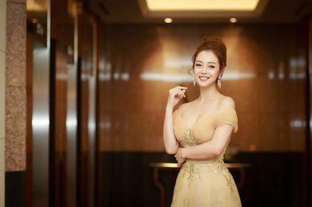Gai hai con Jennifer Pham khoe vong mot sexy kho roi mat - Anh 3