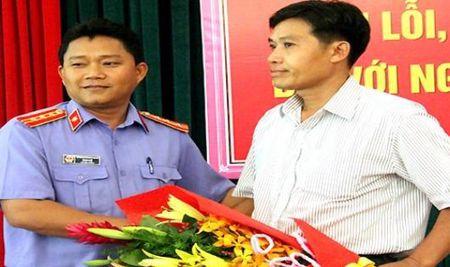 Vu TNGT tham khoc tai cau Ghenh: Hai nguoi lai tau bi an oan duoc xin loi, boi thuong - Anh 1