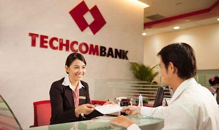 Standard & Poor's nang hang trien vong tin nhiem cua Techcombank len muc 'on dinh' - Anh 1