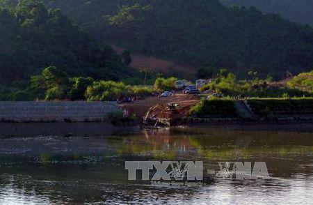 Vu sap cau o Tuyen Quang: Khan truong dieu tra, tim kiem cac nan nhan - Anh 1