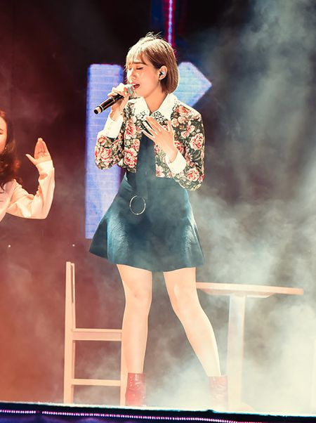 Soobin don sinh nhat ngay tren san khau cung hang nghin fan reo ho - Anh 8
