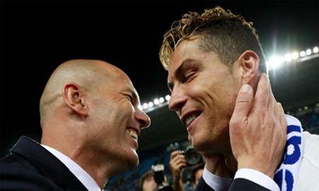 Thay tro Zidane cung mong Ronaldo tro lai - Anh 1