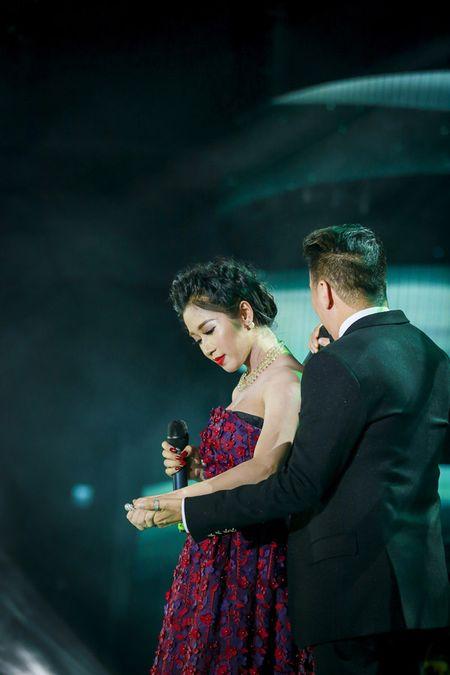 Hoai Lam khien su phu 'no may no mat' khi 'choi doc' trong dem nhac tai Ha Noi cua Mr Dam - Anh 7