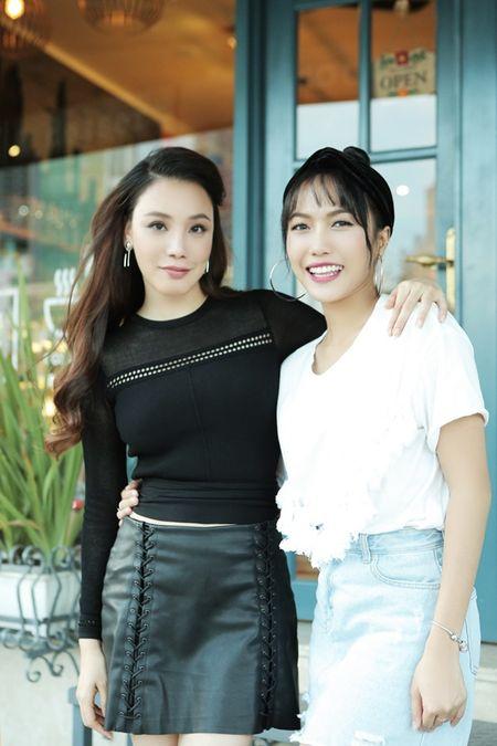 Ho Quynh Huong cung hoc tro to chuc tiec sinh nhat bat ngo cho a hau Le Hang - Anh 8