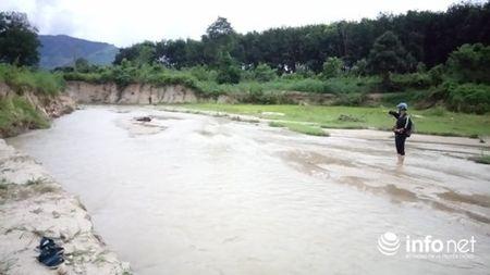 Gia Lai: Hoang mang vi suoi 'nuot' hang chuc hecta dat trong lua - Anh 3