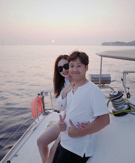 MC Mai Ngoc cung chong tan huong chuyen di lang man o Hy Lap - Anh 4