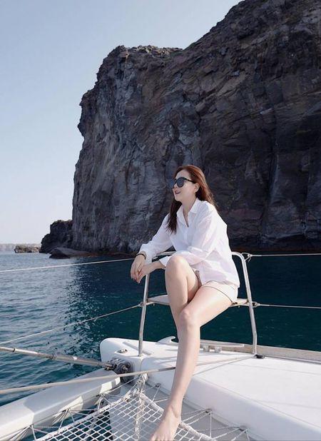 MC Mai Ngoc cung chong tan huong chuyen di lang man o Hy Lap - Anh 5