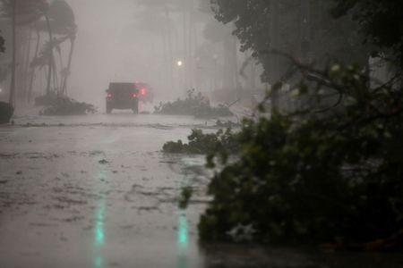 Hinh anh bao Irma khien Florida nhu o 'vung toi mat trang' - Anh 3