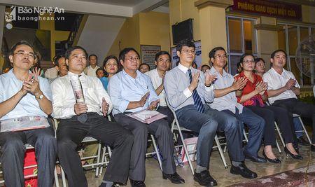 Phuong Ha Huy Tap ky niem 35 nam thanh lap va don nhan Huan chuong Lao dong hang Nhi - Anh 1