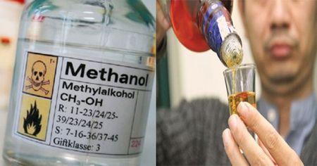Loat benh nhan tu vong do ruou methanol: Ngo doc methanol se tan pha co the nguoi the nao? - Anh 1