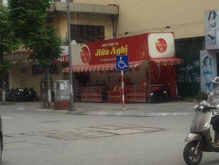 Hang loat quay banh Trung thu 'do bo', lan chiem via he thu do - Anh 3