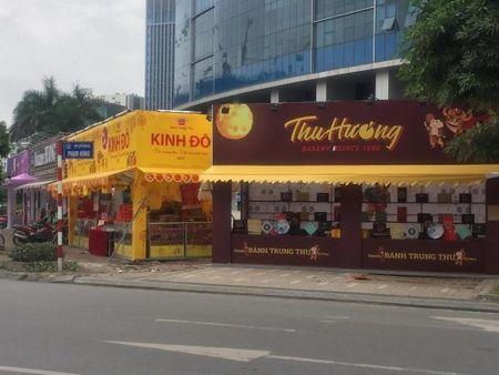 Hang loat quay banh Trung thu 'do bo', lan chiem via he thu do - Anh 6