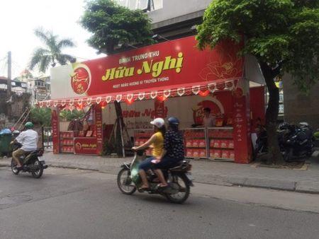 Hang loat quay banh Trung thu 'do bo', lan chiem via he thu do - Anh 8