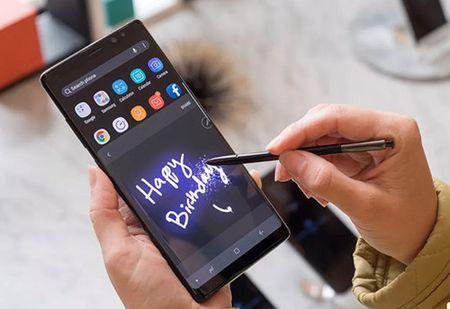 Gan 400.000 don hang Galaxy Note 8 trong ngay dau ban tai Han Quoc - Anh 1