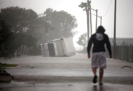 Bao Irma hoanh hanh dien rong o Florida - Anh 3