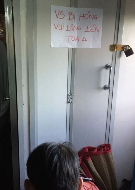 Mat toi ca tram ty dong, toilet tau lua van... hoi! - Anh 1