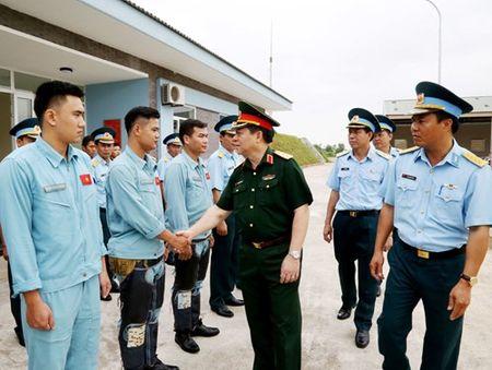 Tong cuc Chinh tri kiem tra hoat dong CTD, CTCT tai Trung doan 923 - Anh 1
