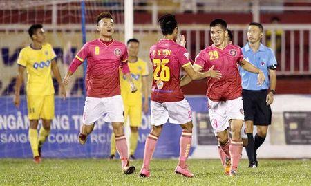 Ha Noi FC ap sat FLC Thanh Hoa, Long An chim trong khung hoang - Anh 1