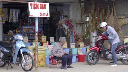 Tran Thanh hoa chang re so tia vo mien Tay trong clip moi - Anh 5