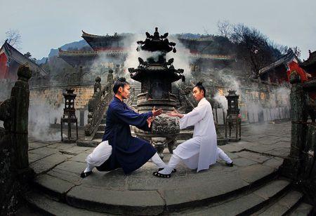 Nhung thang canh 'van nguoi me' trong truyen Kim Dung - Anh 10