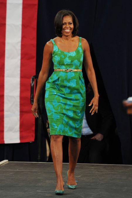 Michelle Obama tre trung voi dam xanh la cho U50 - Anh 3