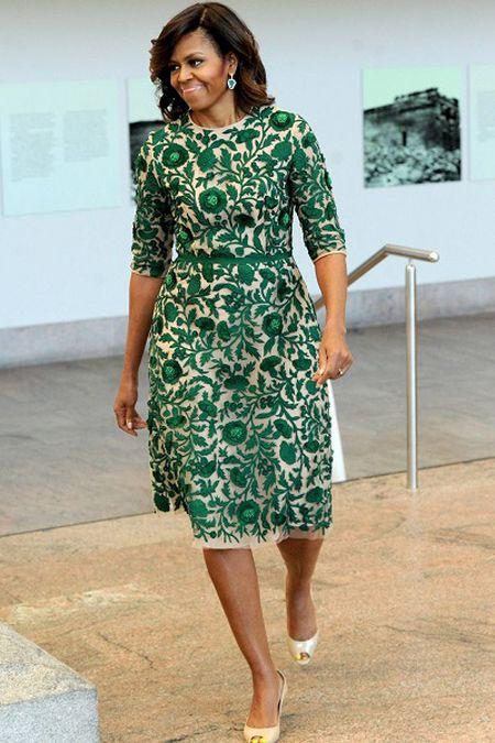Michelle Obama tre trung voi dam xanh la cho U50 - Anh 8
