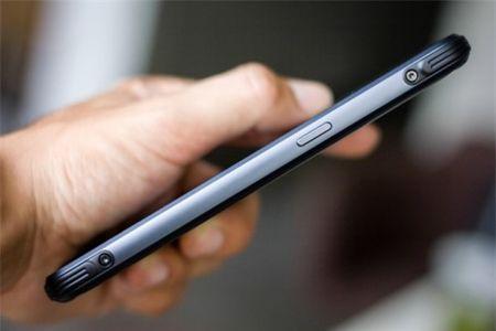Tren tay Samsung Galaxy S8 Active gia 17 trieu dong tai Viet Nam - Anh 2