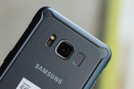 Tren tay Samsung Galaxy S8 Active gia 17 trieu dong tai Viet Nam - Anh 7