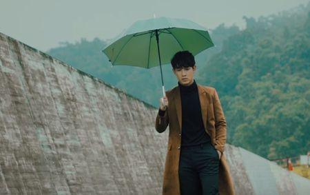 Dong Nhi san xuat MV cho hotboy Song Luan - Anh 1