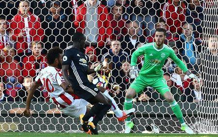 TIN HOT M.U 11/9: Mourinho 'da xeo' Conte, che Wenger. Hang thu M.U xao tron o Champions League - Anh 4