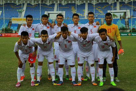 U18 Viet Nam khoa chat 'Messi Indonesia', chien thang nho khong chien - Anh 3