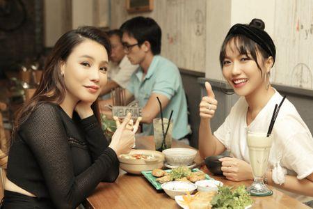 Ho Quynh Huong so bi 'dim hang' truoc nhan sac cua A hau Le Hang - Anh 4