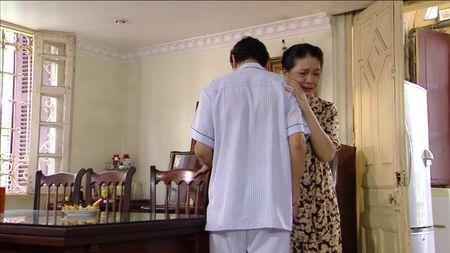Giao mua tap 32: Trung bi lua trang tay, Loan no luc thoat mac gai bao - Anh 1